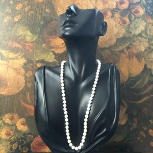 Vintage 8mm Cultured Pearls 14K Gold Clasp
